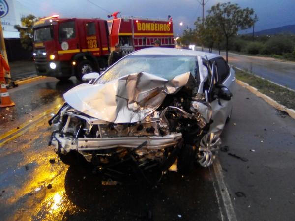Representantes comerciais residentes em Juazeiro do Norte morrem em colisão de veículos na BR-316, em Picos-PI