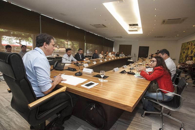 Governador reúne diretores de hospitais para discutir ações na Saúde