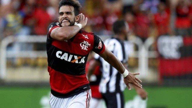 Com gol de Dourado, Flamengo derrota o Botafogo e vai à final da Taça Guanabara