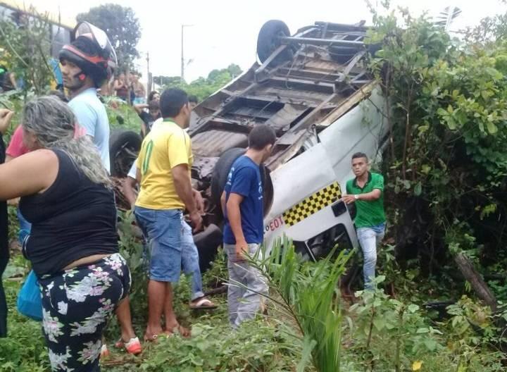 Topic capota deixando feridos em Juazeiro do Norte