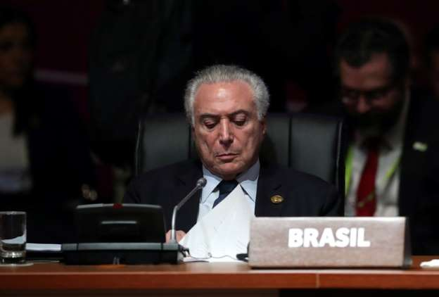 Senador Randolfe Rodrigues (Rede-AP) protocola na Câmara pedido de impeachment de Temer