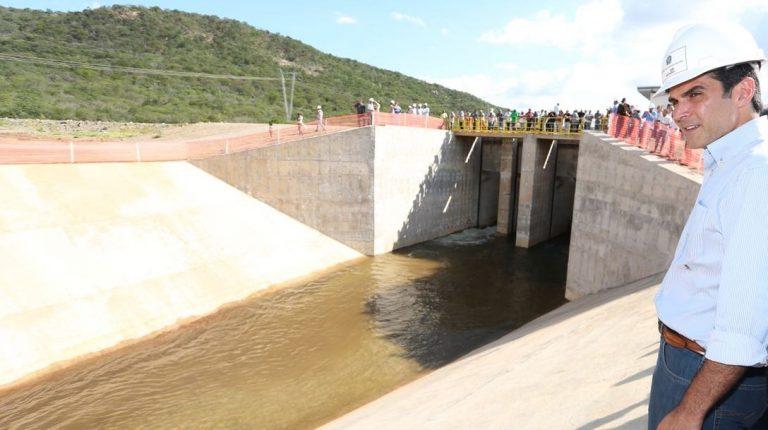 Abertura de novo reservatório faz águas do São Francisco avançarem rumo ao Ceará