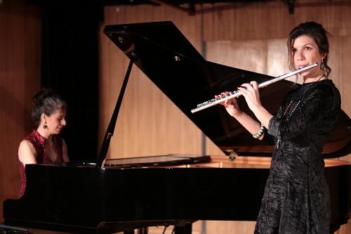 Duo Flutuart interpreta clássicos de Chiquinha Gonzaga no Sesc