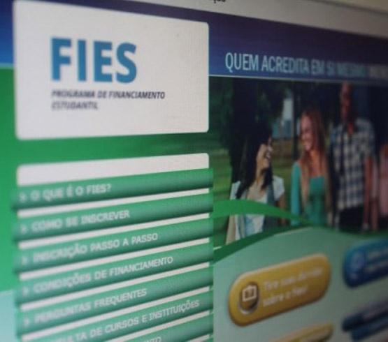 MEC prorroga para 23 de maio pré-seleção da lista de espera do FIES