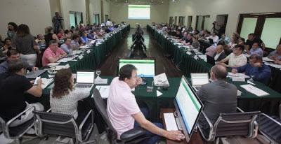 Um terço dos secretários de Camilo deixa Governo para concorrer em outubro