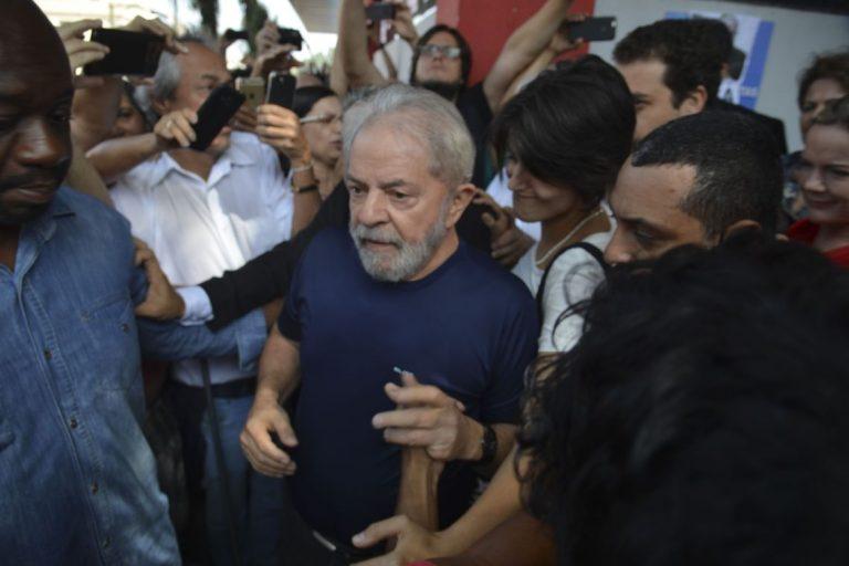 Segunda Turma do STF nega recurso de Lula contra prisão