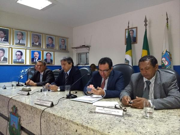 CÂMARA DO CRATO Vereadores voltam a discutir sobre reajustes na conta de água
