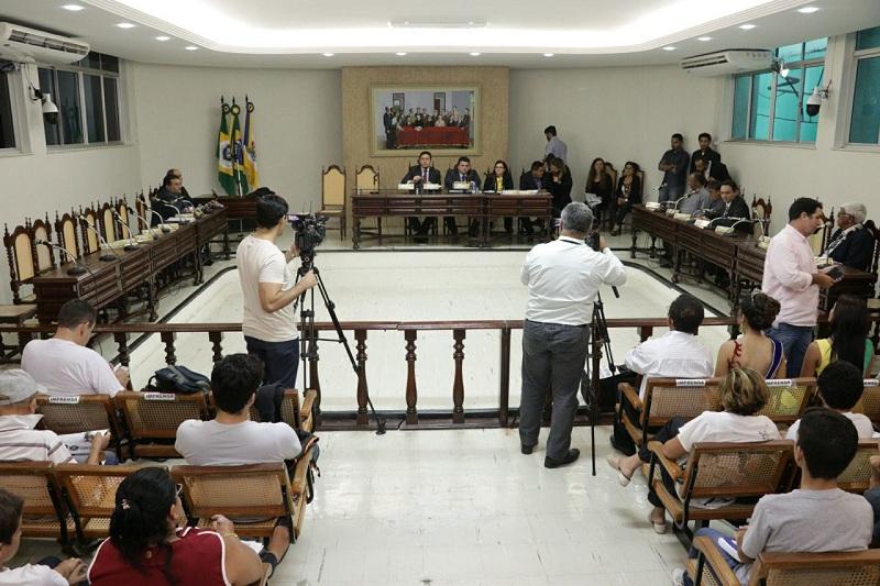 Câmara discute mudanças no Regimento prevendo punição para vereadores faltosos