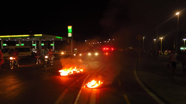 Nas últimas 24 horas, manifestações se intensificaram em Crato, Juazeiro e Barbalha