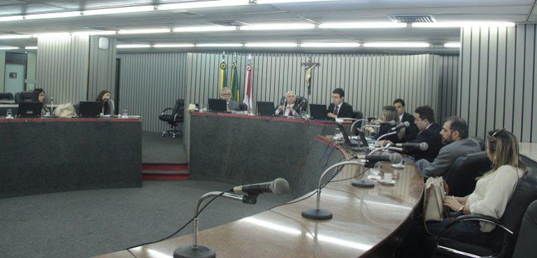 Município e professores de Jardim firmam acordo e decretam fim de greve após audiência no TJCE