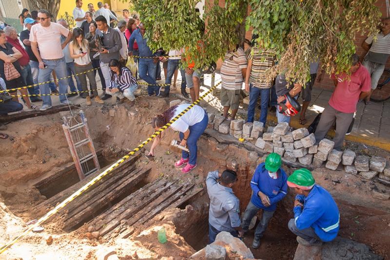 Arqueólogos concluem que compartimento foi fossa séptica