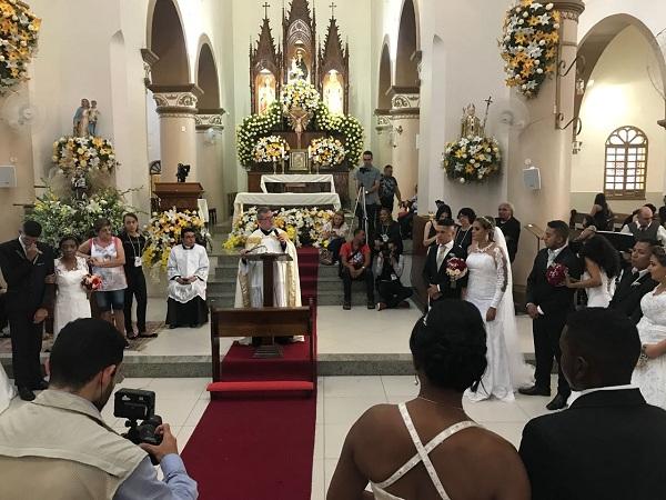 BARBALHA. Realizado neste domingo Casamento das Noivas de Santo Antônio