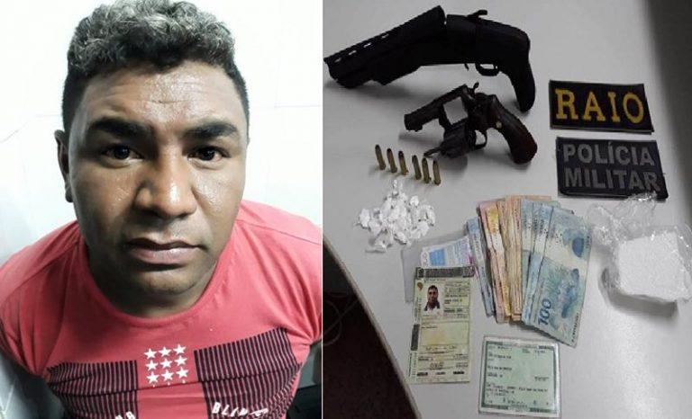 PM apreende duas armas de fogo e cocaína  em poder de homem de 33 anos, em Caririaçu