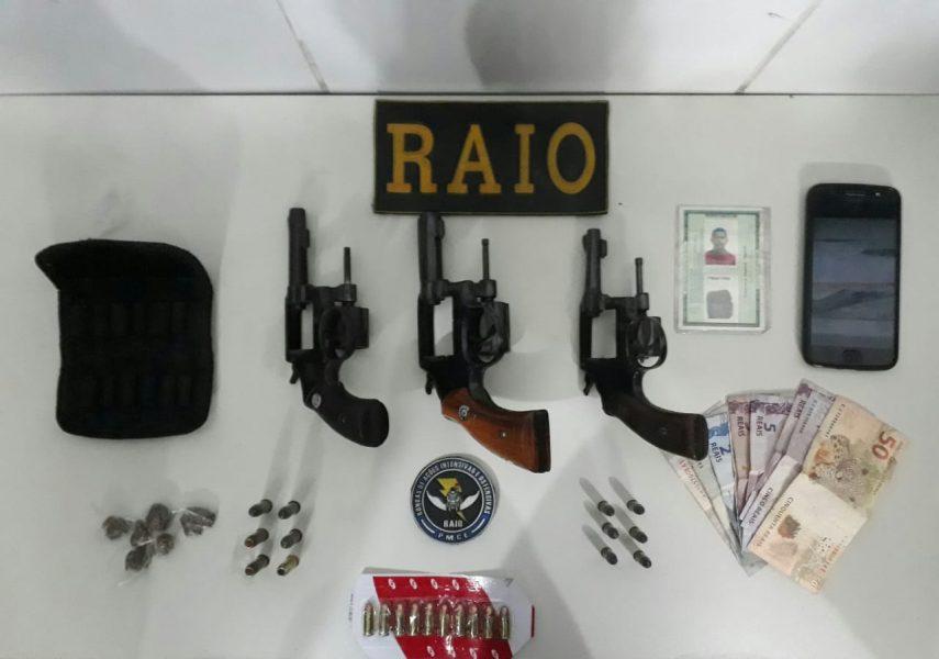 PM de Juazeiro  apreende três armas de fogo, munições e drogas  no Bairro Salesianos