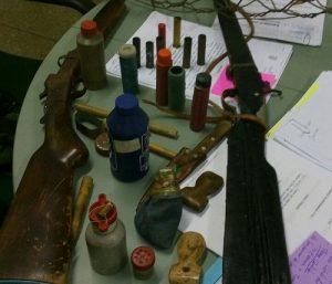 Itens apreendidos durante a a ação policial, em Assaré