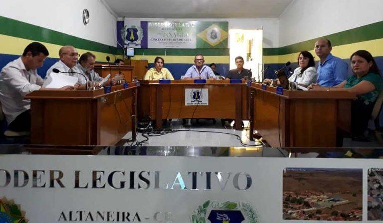 Câmara de Altaneira instaura processo de cassação do prefeito municipal
