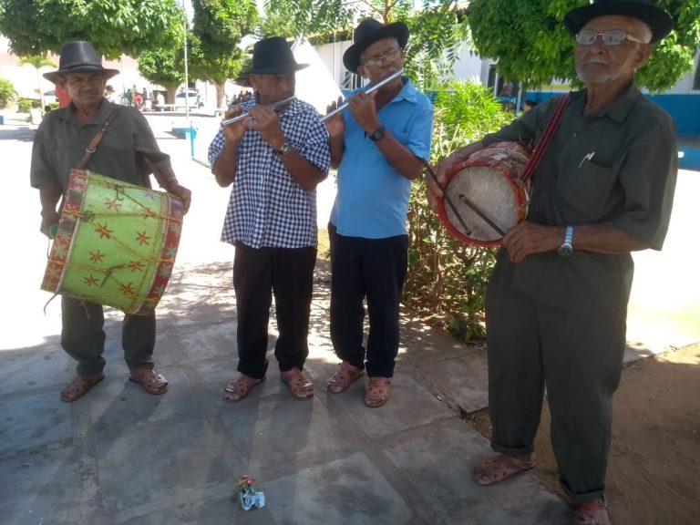 Retretas, trezena, quermesses e shows movimentam festejos de Santo Antônio