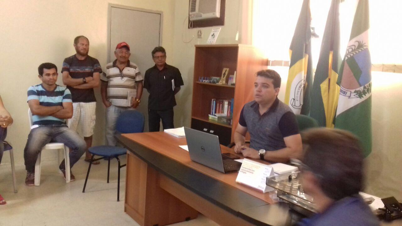 SANTANA DO CARIRI Pedro Henrique concluiu sua primeira semana de trabalho na prefeitura atendendo dia e noite.