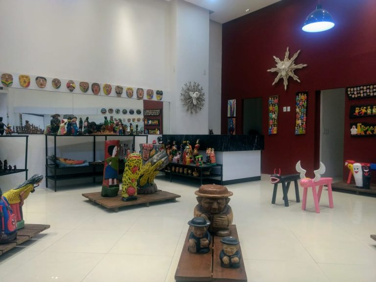 Governo do Ceará garante comercialização de produtos do Mestre Noza em shopping do Cariri