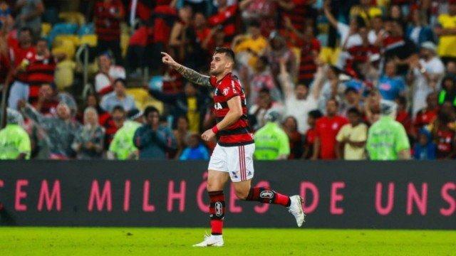 Vizeu marca, Fla vence o Corinthians no Maraca e abre quatro pontos na liderança do Brasileiro
