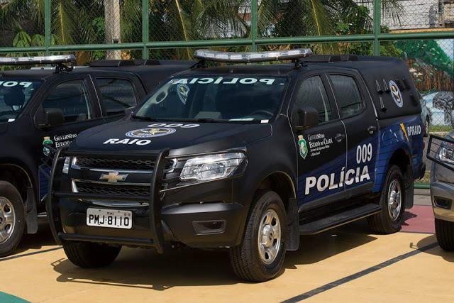 Policiamento do Raio efetua prisão em Crato por posse de arma e em Juazeiro por roubo e tráfico de drogas