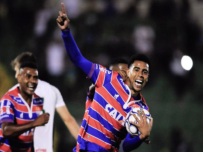 Com gols no final, Fortaleza vira para cima do Guarani no Brinco de Ouro
