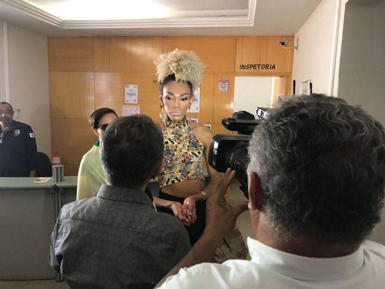 Naomi prestou queixa na delegacia da mulher na manhã desta segunda-feira. (Foto Alana Soares)