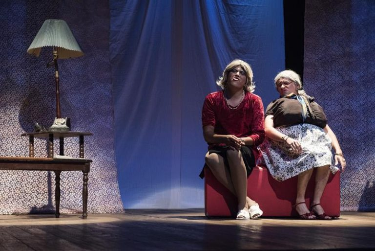 """Comédia """"As Velhacas"""" circula por teatros do Cariri em setembro"""