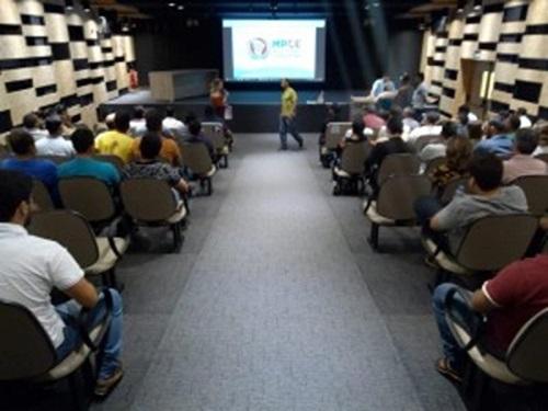 Audiência pública do MPCE discute supostas irregularidades de lava-jatos em Juazeiro do Norte