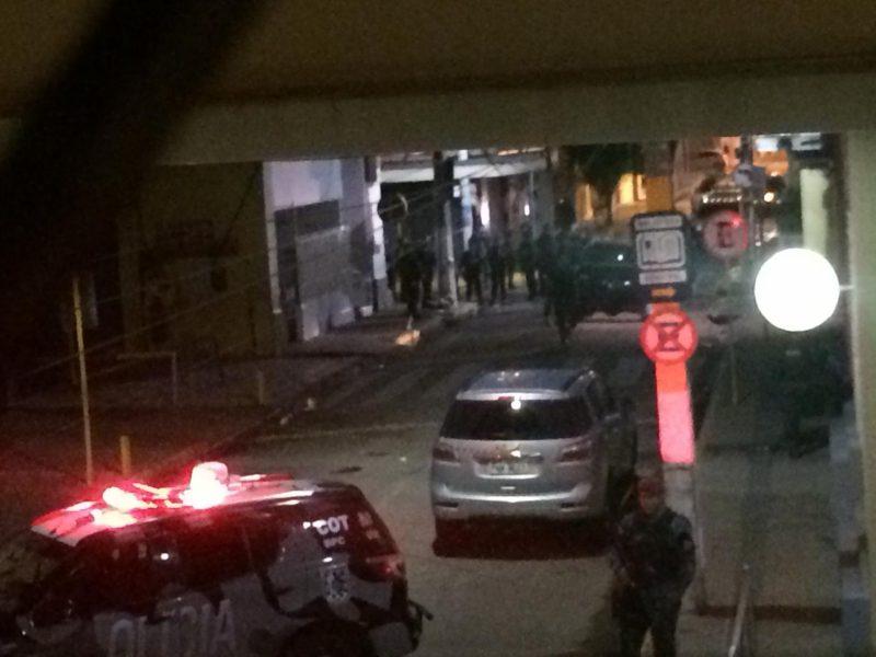 Policia militar efetua prende três homens e duas mulheres por envolvimento nas tentativas de assaltos ao Bando do Brasil e Bradesco de Milagres