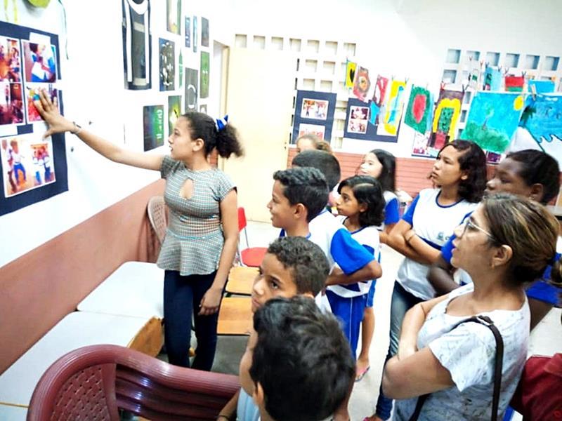 Em Crato, exposição desperta a sensibilidade artística dos alunos da Escola 18 de Maio