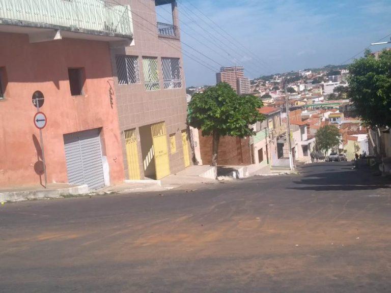 Em Crato, ladeira Padre Enrile, que dá acesso aos bairros Seminário e Independência, tem novo sentido de circulação