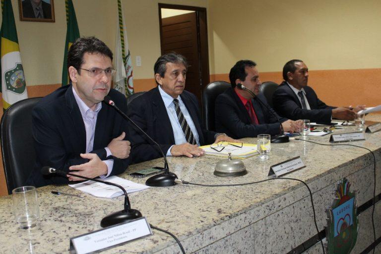 Secretário de Finanças e Planejamento apresenta resultado financeiro de 2018 na Câmara Municipal