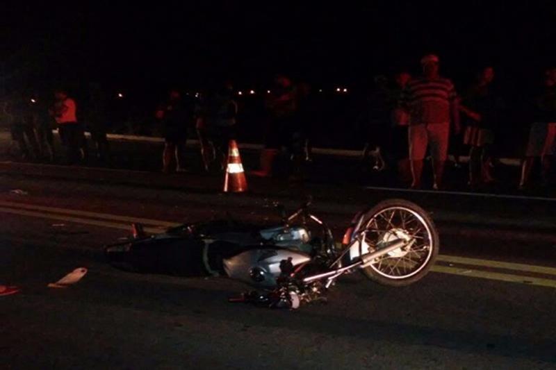 Motociclista é encontrado morto caído ao lado da moto  na CE 386, em Farias Brito