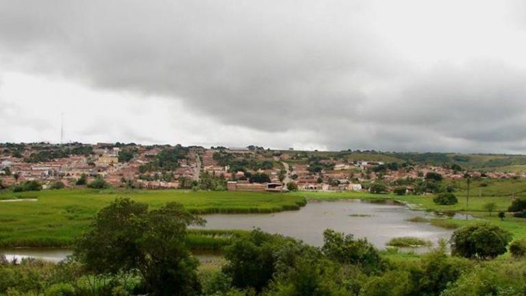Lagoa Santa Tereza na entrada da zona urbana de Altaneira (CE). Foto Redes Sociais
