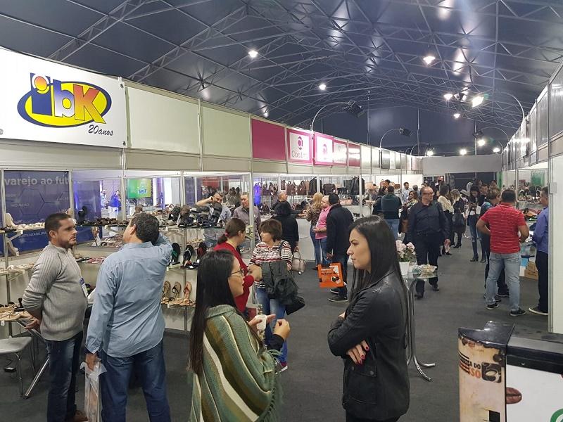 Indústria calçadista de Juazeiro do Norte participa de feira internacional
