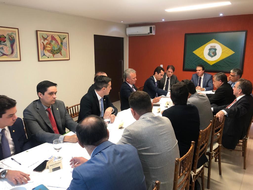 Governador Camilo Santana se reúne com bancada federal do Ceará em Brasília