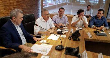 Gestores debatem com Governador em exercício, soluções para problemática de despesa de pessoal dos municípios cearenses