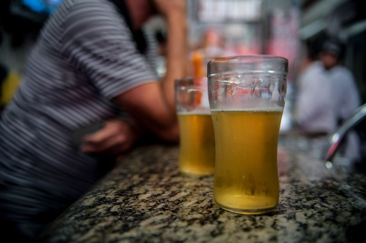 Mais de dois milhões de brasileiros têm traços de dependência da bebida alcoólica (ArquivoMarcelo CamargoAgência Brasil)