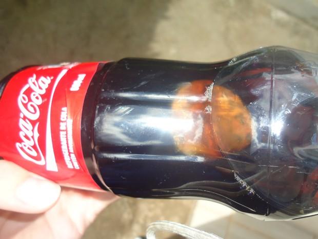 material estranha encontrada em garrafas -Foto ilustração internet