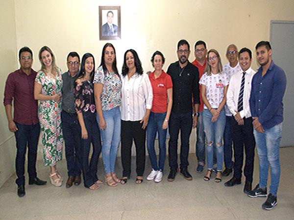 Gestão de Santana do Cariri se reúne com profissionais da educação e avança nas discussões do PCCR Foto Divulgação