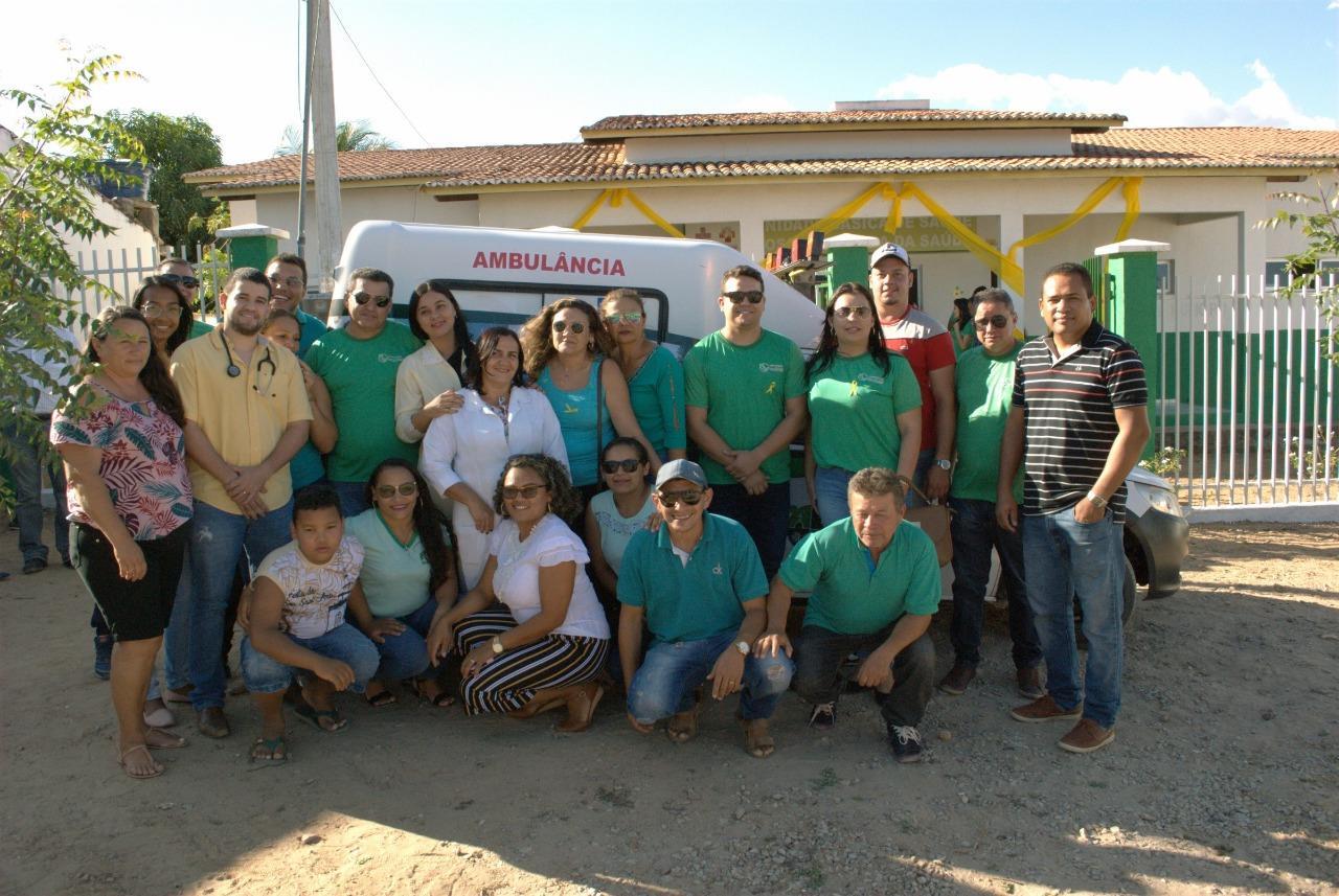 """Legenda da foto """"Prefeitura na Comunidade"""" disponibilizou diversos serviços aos moradores do distrito de Araporanga"""