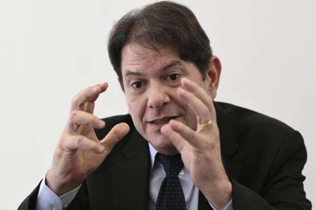 ''Moro é um político, com pretensões e vaidades'', diz Cid Gomes