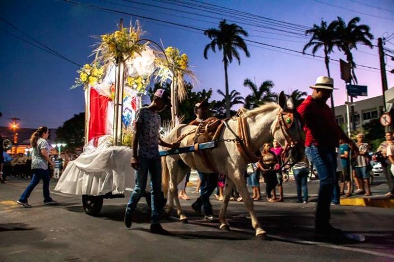 Procissão dos Carroceiros abre oficialmente a Romaria de Nossa Senhora das Dores