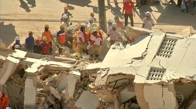 Bombeiros encontram 9ª vítima do desabamento do Edifício Andrea e encerram operação de resgate Foto reprodução