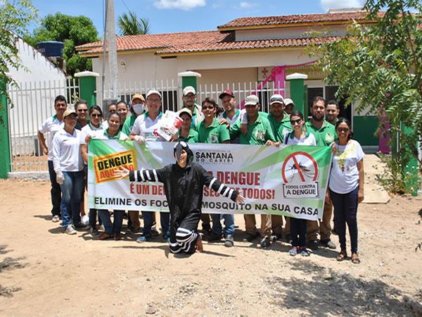 Em Santana do Cariri, Prefeitura promove ação contra o Aedes aegypti na comunidade de Araporanga