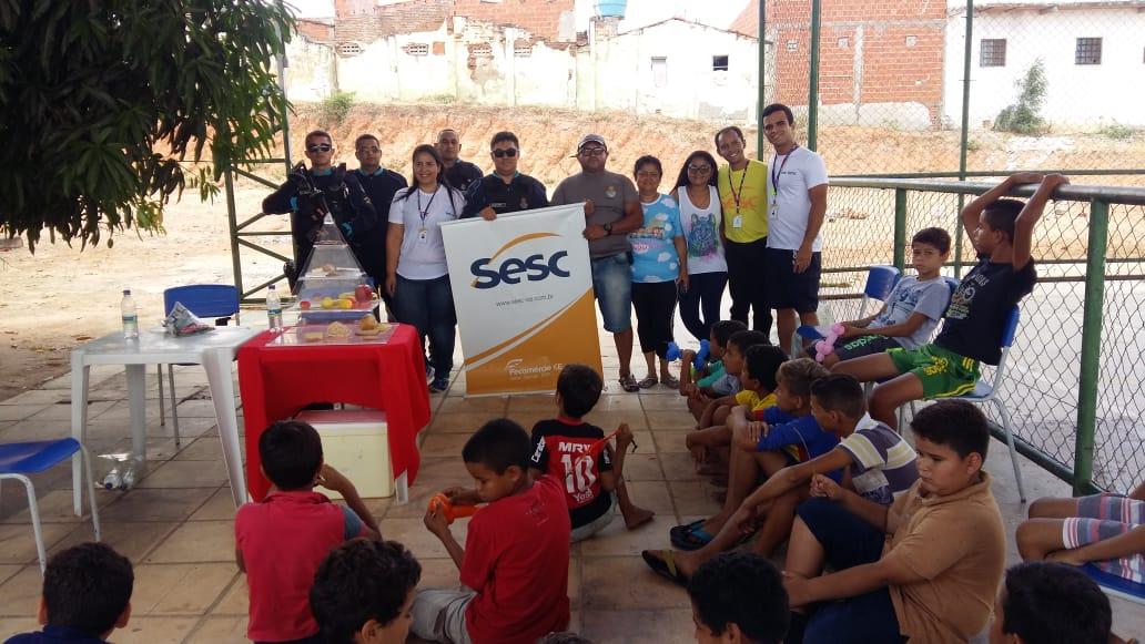 Polícia Militar promove ação solidária para crianças na cidade de Nova Olinda
