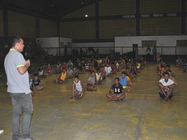 Cerca 100 crianças e jovens participam do Projeto Vinicius Alves Crédito Júnior Sultério.