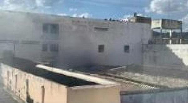 Primeiro andar de prédio comercial pega fogo no Centro de Juazeiro do Norte