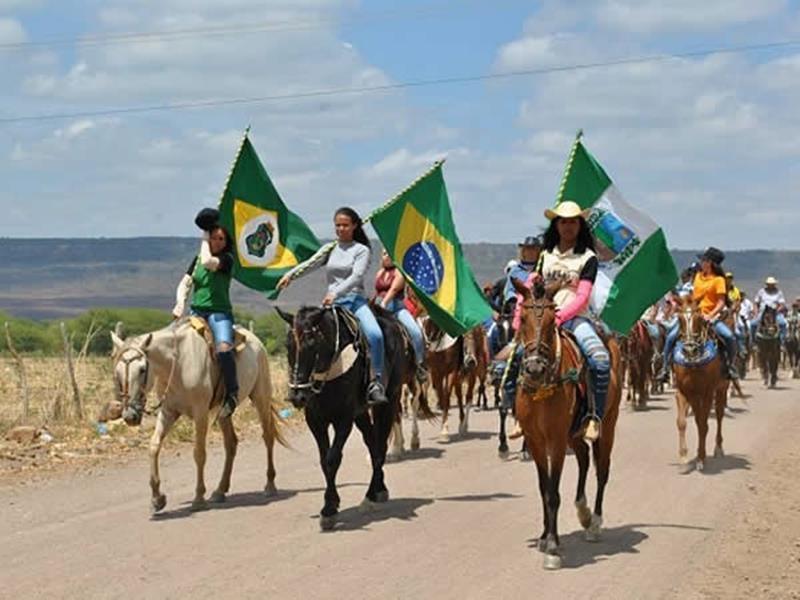 Vaqueiros, Cavaleiros e Amazonas participaram do evento Crédito Júnior Sutério